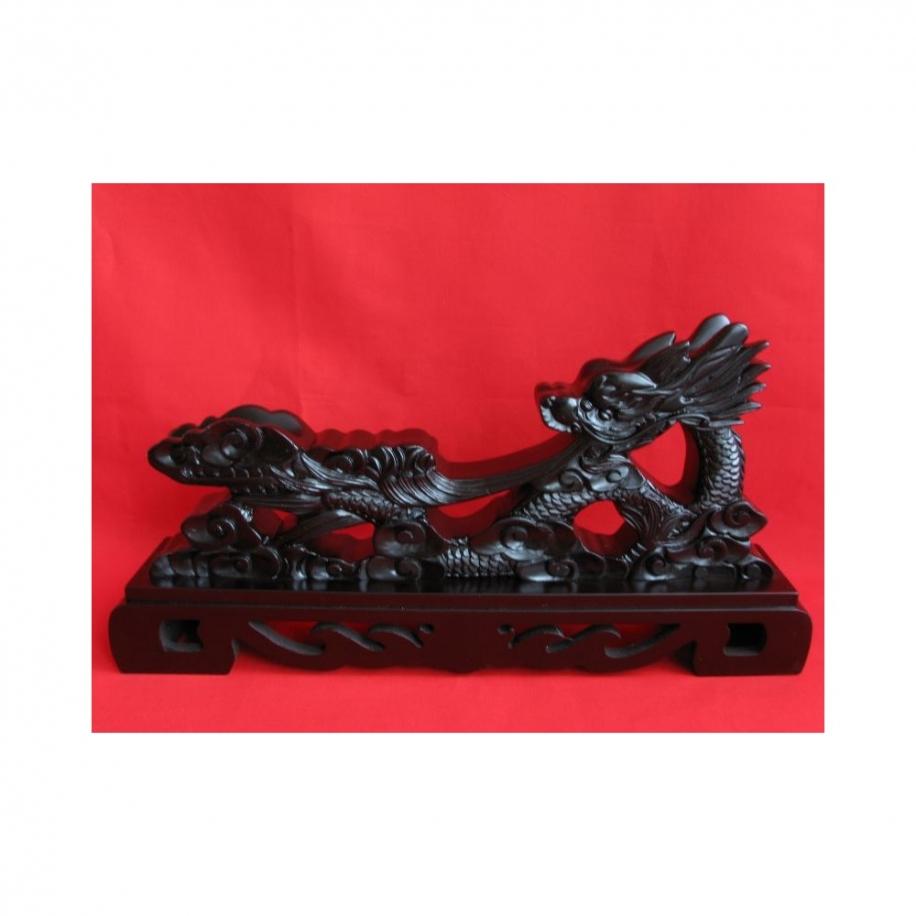 stylový dřevěný stojan na čínské meče a katany - černá lesklá barva.
